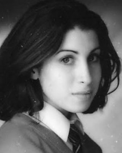 Amy-rare-pictures-amy-winehouse-29335039-320-400