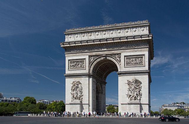 Arc_de_Triomphe,_2_August_2015_002 (1)