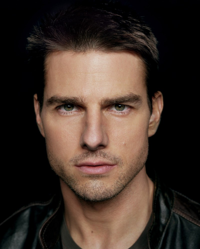 Tom Cruise earned a 20 million dollar salary, leaving the net worth at 480 million in 2017