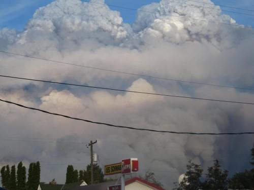 Twin plumes over Twisp