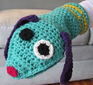 Dabney Dog, crocheted hand puppet (seller: fritzandtootie)