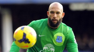 Tim Howard eyes the ball for Everton...